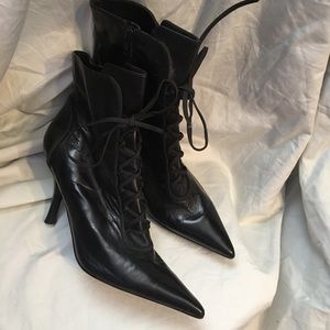 Rare Nine West upper leather heeled boots